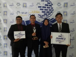 1. juara debat_UII_27 Feb - 2 Mar 18_2
